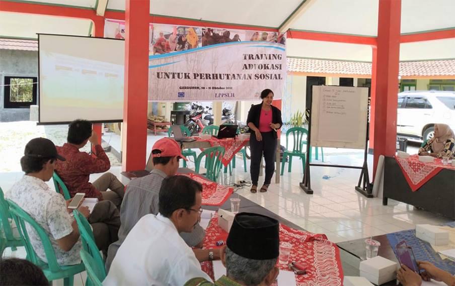 Gambar dari judul : LPPSLH Gelar Training Advokasi untuk LMDH Gerduren