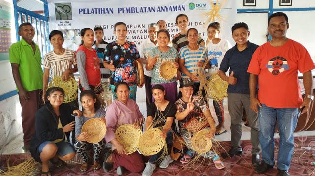 Gambar dari judul : Yayasan Sor Silai Latih Perempuan Adat Arui Das